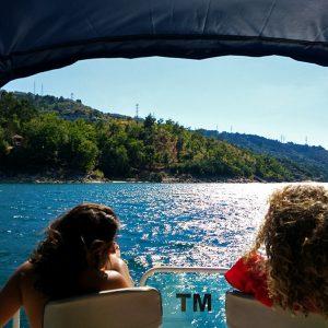 Passeio de Barco no Gerês